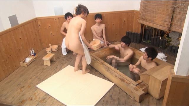 川崎亜里沙のエロ画像 作品紹介