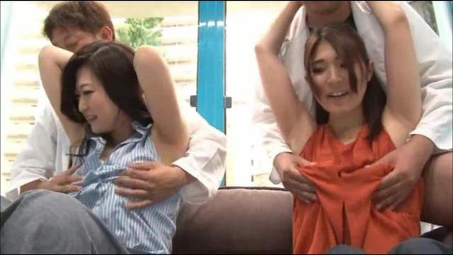腋を舐められたOLさんが興奮してSEXまで許してくれます。