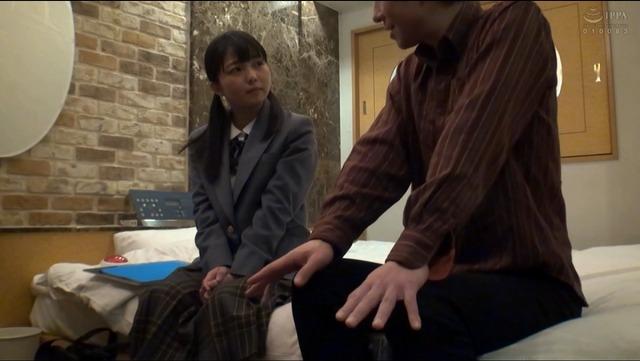 性欲の溜まったおじさんが女子○生のキツキツオマ○コに終わらない連続中出し!!