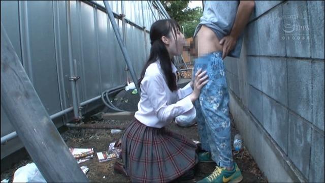 いろんな女子○生が野外でチ〇コをしゃぶりつくす。【後編】