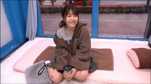 韓流メイクのお姉さん、イケメンチ〇ポで膣内マッサージされる。