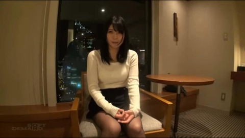 新村あかりのエロ画像 作品紹介